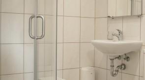 Pirmo aukšto vonios kambarys